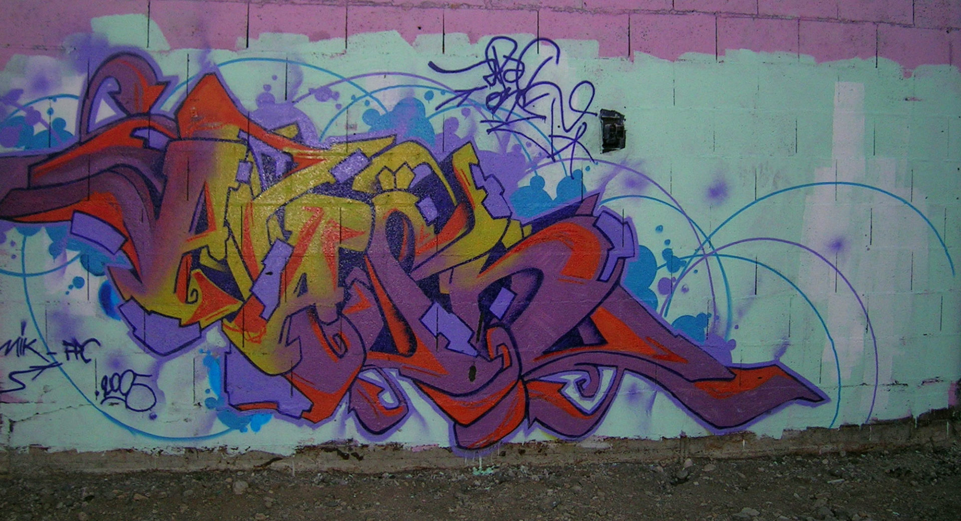 Apashe - Graffiti - Brad Tout - Riom