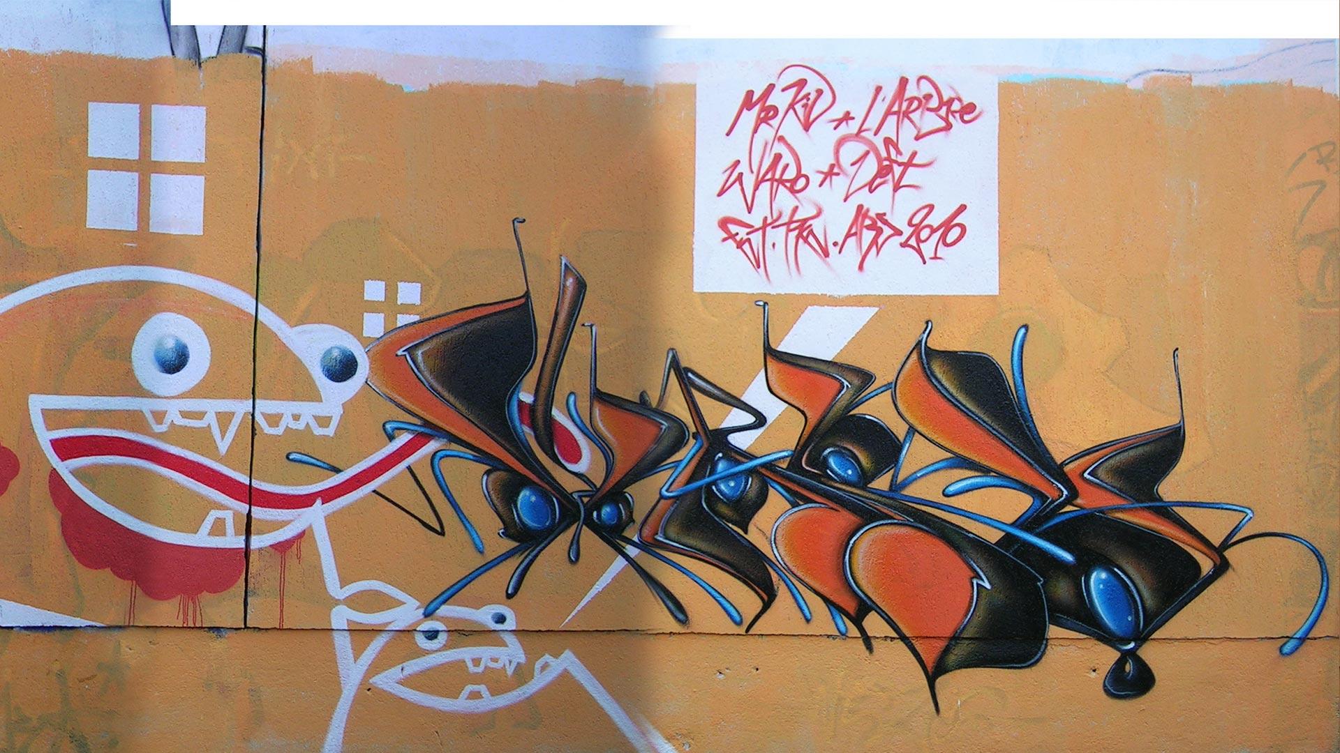 Waro - Riom - Graffiti - Mur de la piscine
