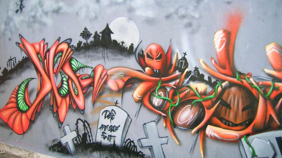 Halloween-graffiti-street-art-deft-insert-coin